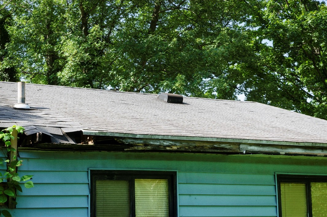 Gutter before repairs